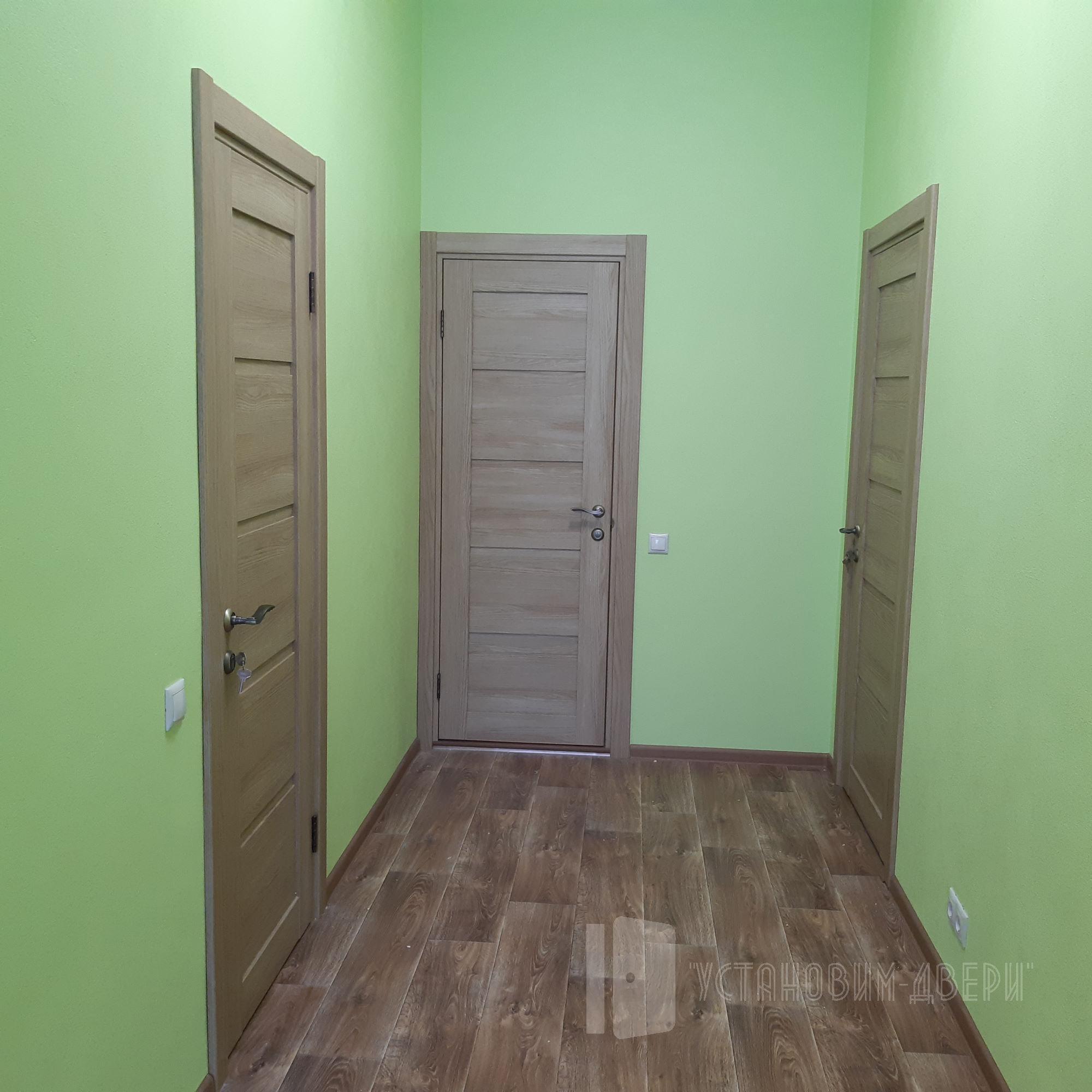 дверь в школе